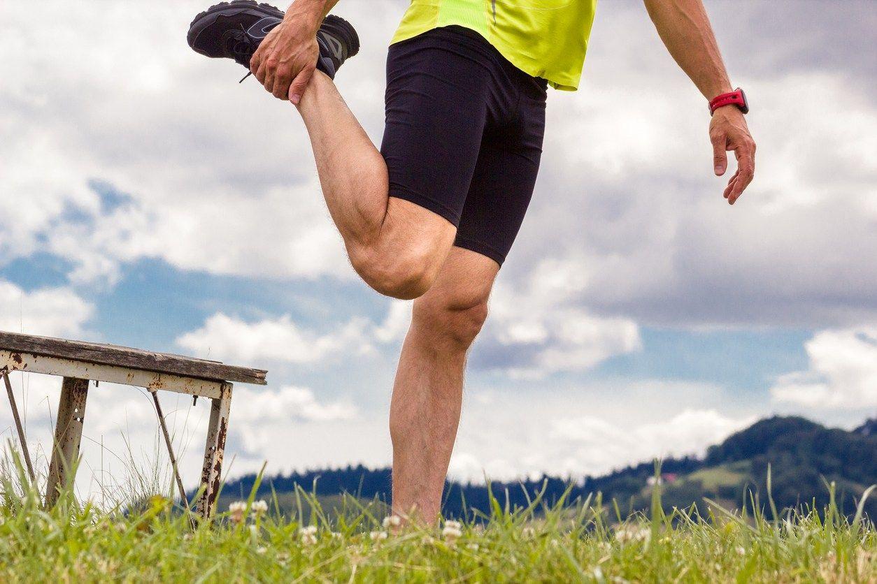 rozciąganie mięśnia czworogłowego uda