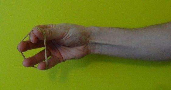 ćwiczenie prostowania palców