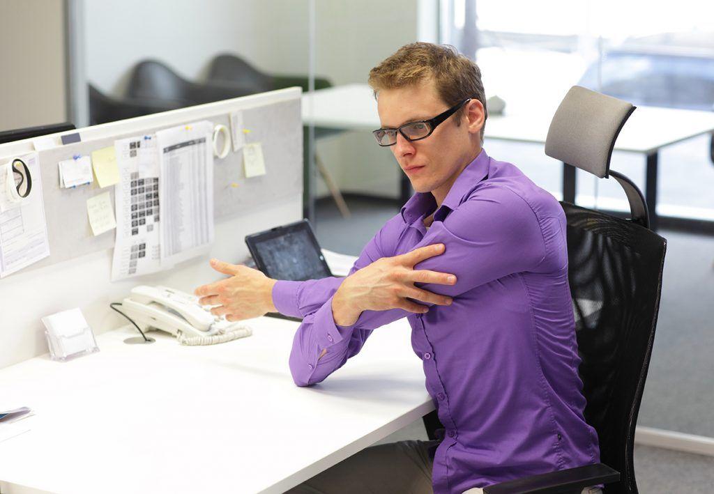 rozciąganie w biurze
