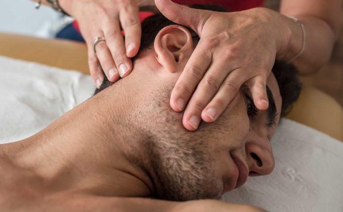 mobilizacja tkanek miękkich - okolice stawu rzuchwowo-skroniowego