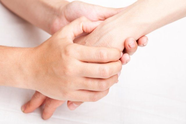 terapia manualna nadgarstka