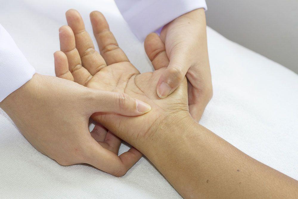 terapia tkanek miękkich nadgarstka